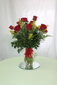dozen roses (any color)